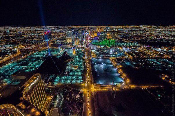 Фото Ночного Лас-Вегаса с высоты2а (604x402, 262Kb)