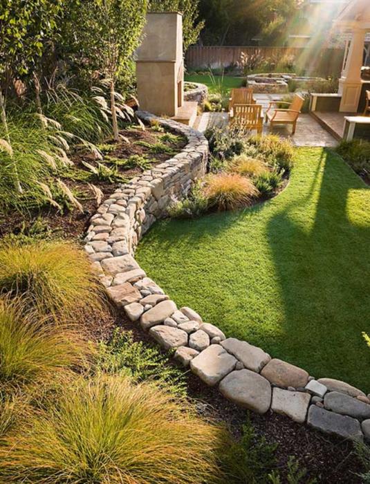 3. Приятное сочетание  каменная стеночка и трава (535x700, 496Kb)