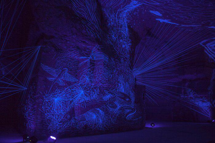 инсталляция звездные пещеры Жюльен Салю 2 (700x466, 312Kb)