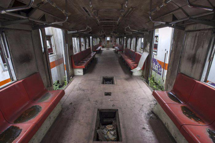 железнодорожная станция Пурвакарта в Индонезии 7 (700x466, 238Kb)
