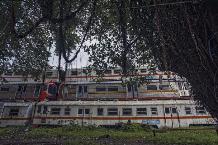 железнодорожная станция Пурвакарта в Индонезии 11 (700x466, 337Kb)