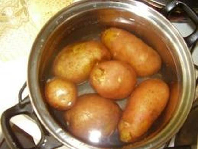 Как варить картошку в кастрюле пошагово с