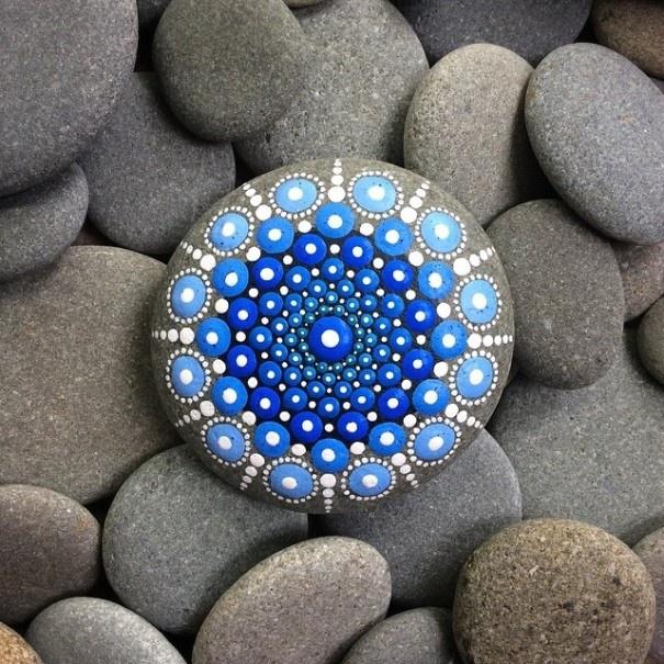 14769760-R3L8T8D-605-stone-art-mandala-elspeth-mclean-canada-14-605x605 (605x605, 401Kb)