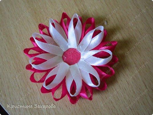 Как сделать украшение цветы из ленты своими руками