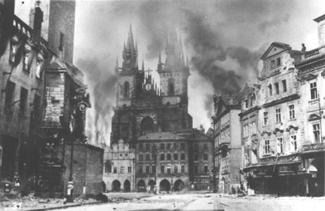 08 Prague_uprising (660x430, 136Kb)