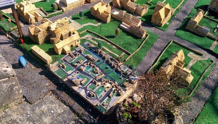 модель английской деревни Глостершир 8 (700x398, 410Kb)