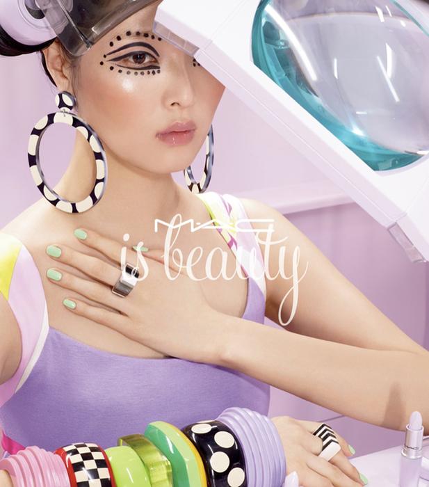 модная фотосессия MAC Cosmetics 5 (617x700, 411Kb)