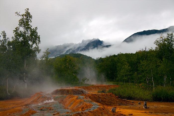 volcanoes-caves-and-wonderful-wild-nature-of-kamchatka-krai-29 (700x466, 393Kb)