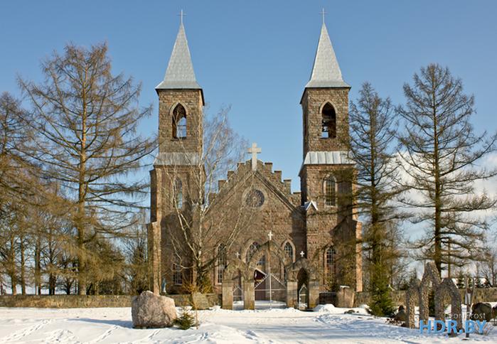 3. Костел Святого Иосифа в деревне Рубежевичи (700x484, 533Kb)