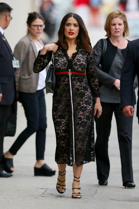 salma-hayek-dress-30mar16-10 (466x700, 208Kb)