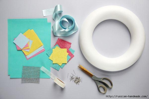 Декоративный весенний венок из бумажных цветов (2) (600x400, 79Kb)
