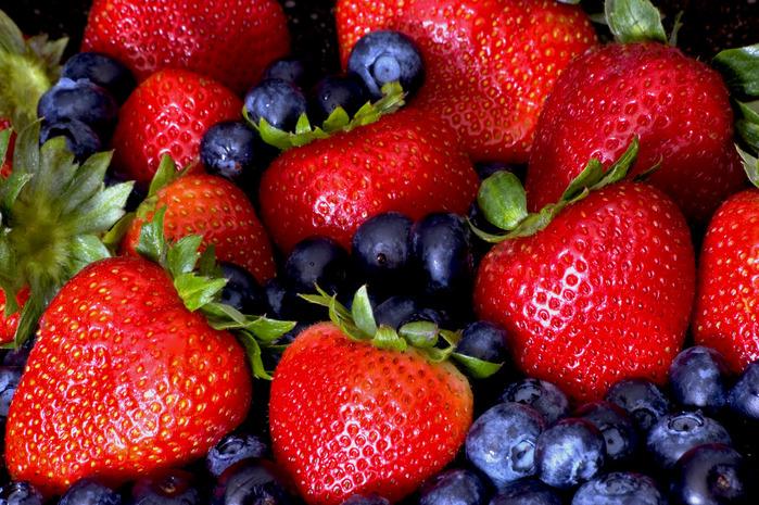 ягоды3 (700x465, 215Kb)