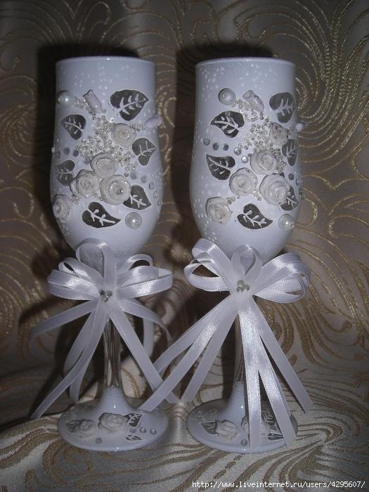 Изготовлю на заказ свадебные бокалы, подушечку для колец, свечи, подвязку на ногу, корзиночки для лепестков роз и...