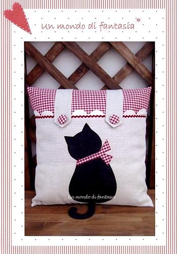 cuscino gatto (348x500, 61Kb)