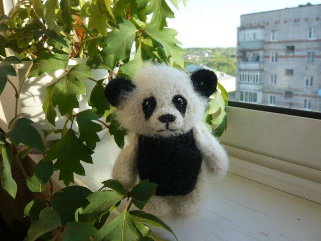 Панда вязаная крючком.