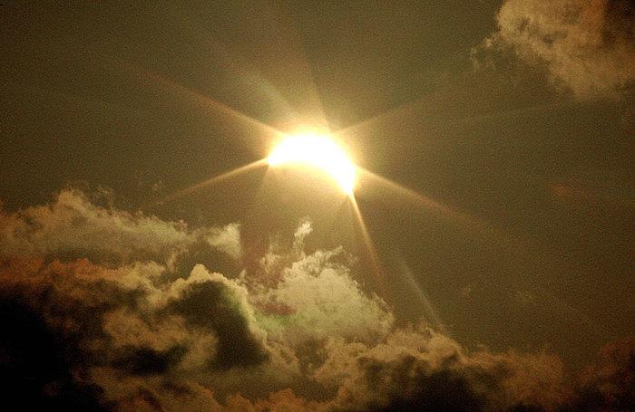 во время солнечного затмение произошел ужас