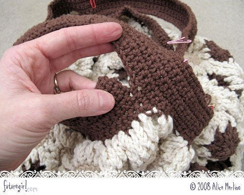 Часть вторая.  Элегантная сумочка для телефона, связанная крючком.