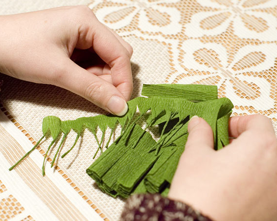 Как сделать веточки елки из гофрированной бумаги