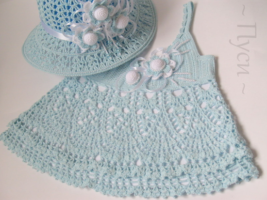 crafts for summer: crochet set for baby girl