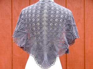 0679148142. Свяжу на заказ или продам готовую шаль Харуни. контакты.