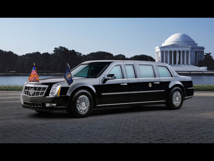 2009-Cadillac-Presidential-Limousine-Front-And-Side-Jefferson-Memorial-1920x1440 (700x525, 85Kb)