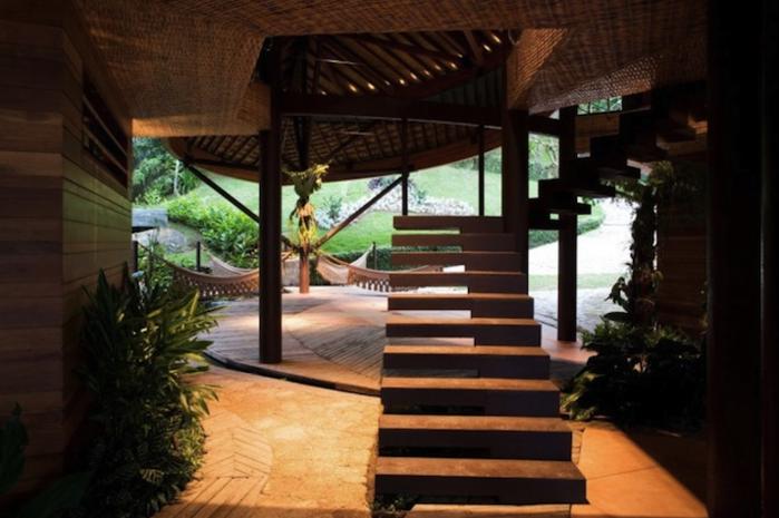 Дом из листьев (Leaf House)
