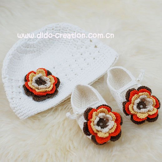 DD99012C_Handmade_Crochet_Baby_Hat_Shoes_Set (519x519, 43Kb)