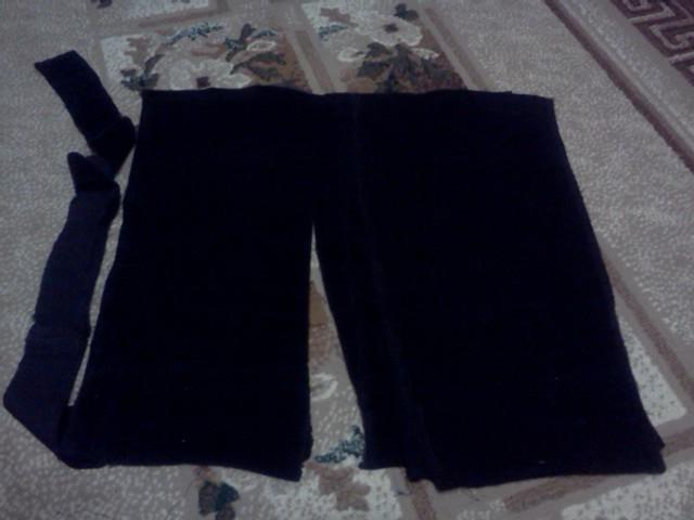 Есть непонятные штаны из клетчатой плащевки.  Кажись, для пляжной сумки...