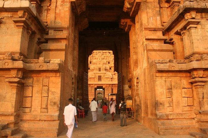 Танджавур - Брихандишвара Мандир (Brihadishwara Mandir) 66484
