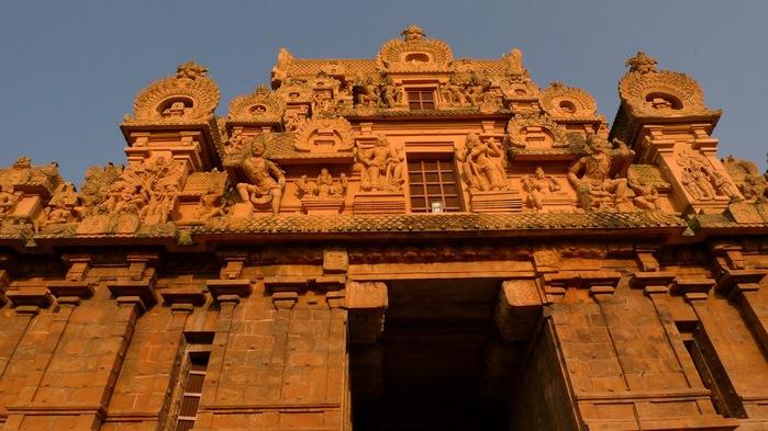 Танджавур - Брихандишвара Мандир (Brihadishwara Mandir) 12086