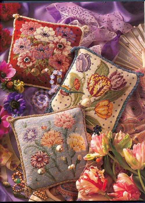 подушки с цветами (500x700, 170Kb)