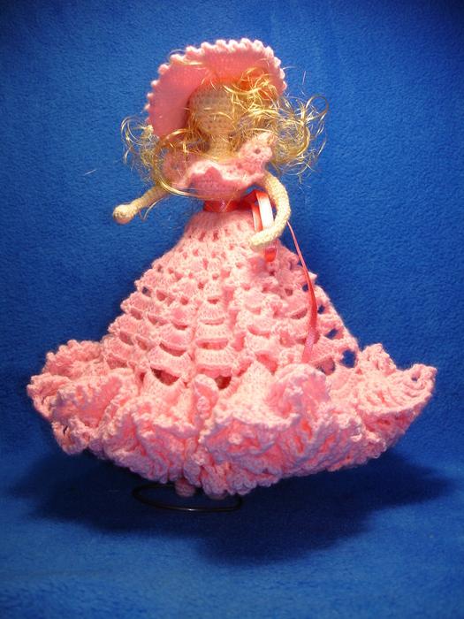 "Вязаная кукла ""Дама в розовом"""