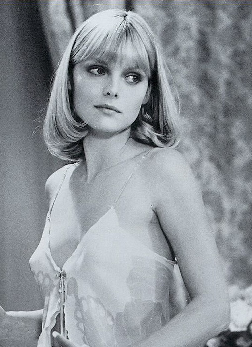 Michelle_Pfeiffer_Scarface (508x700, 120Kb)