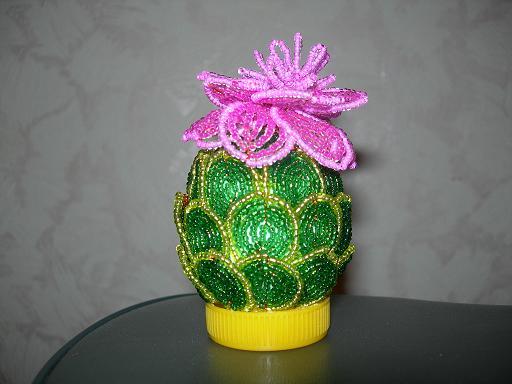 цветок кактуса из бисера - Интересные полезности.