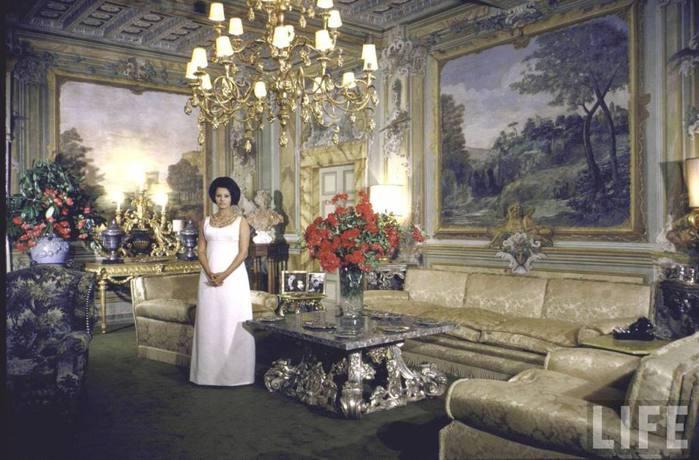 01 Sophia Loren in Rome June 1 1964 (700x460, 59Kb)