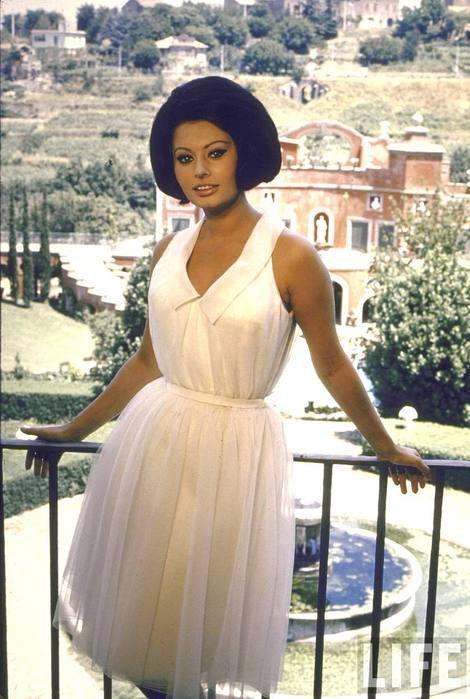 02 Sophia Loren in Rome June 1 1964 (470x700, 57Kb)