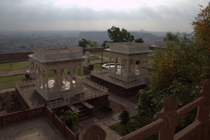 Джасвантх-Тхада 33956