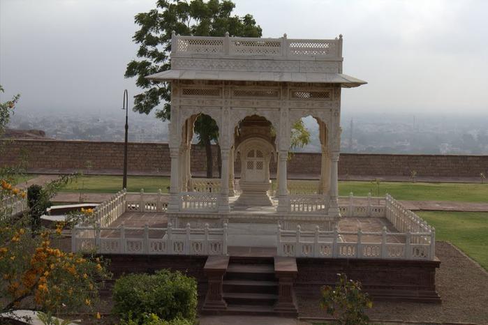 Джасвантх-Тхада 44938