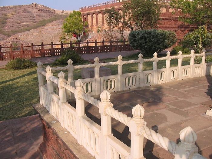 Джасвантх-Тхада 37537