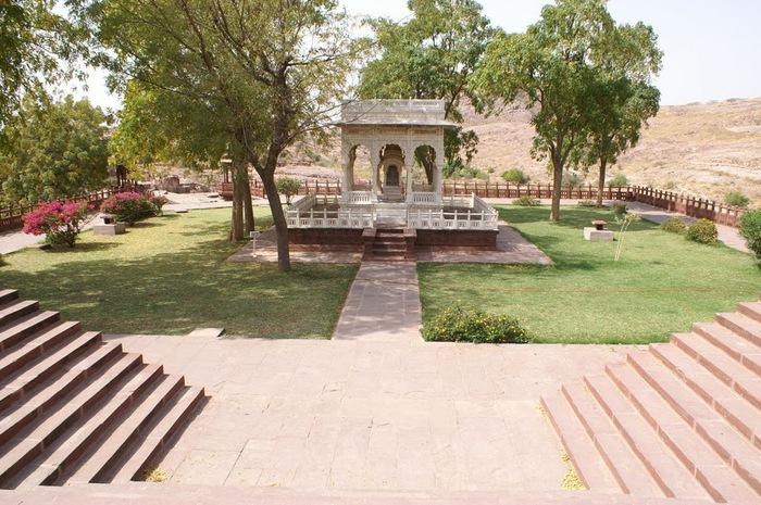 Джасвантх-Тхада 72947