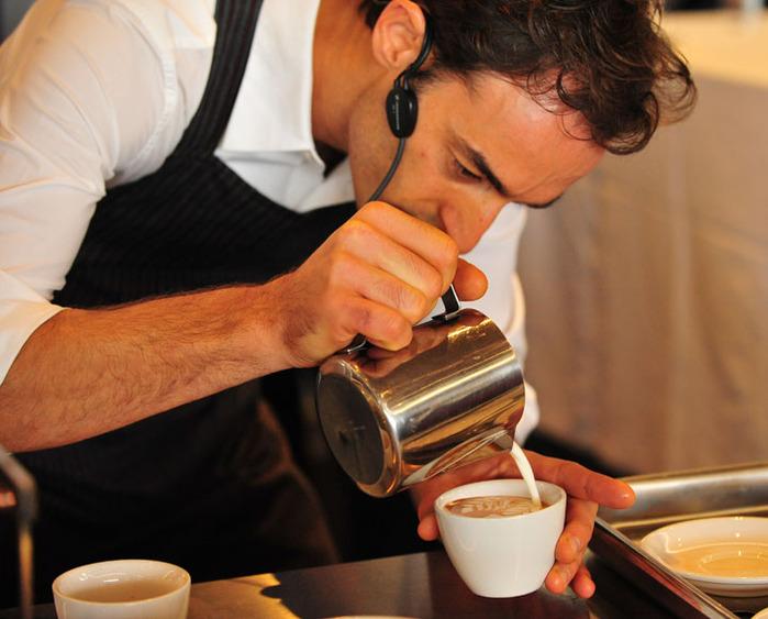 Как известно, гости ресторанов, кафе, баров, кофеен любят свежий кофе...