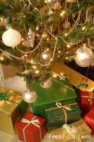 90_02_58---Christmas-Tree_web (400x600, 137Kb)