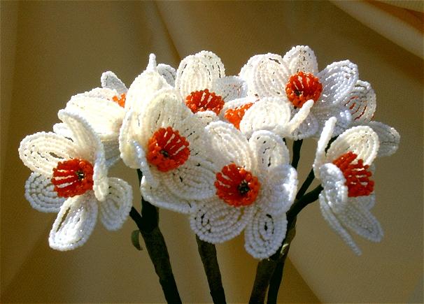 Цветы и деревья из бисера.