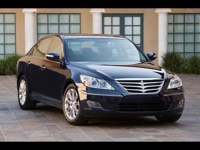 2009-Hyundai-Genesis-Sedan-Front-Angle-1920x1440 (700x525, 110Kb)