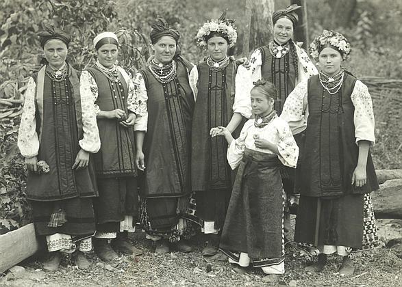 Ukr.Poltava_women (587x420, 65Kb)