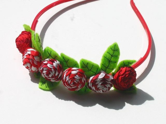 Ободок с цветами из фетра