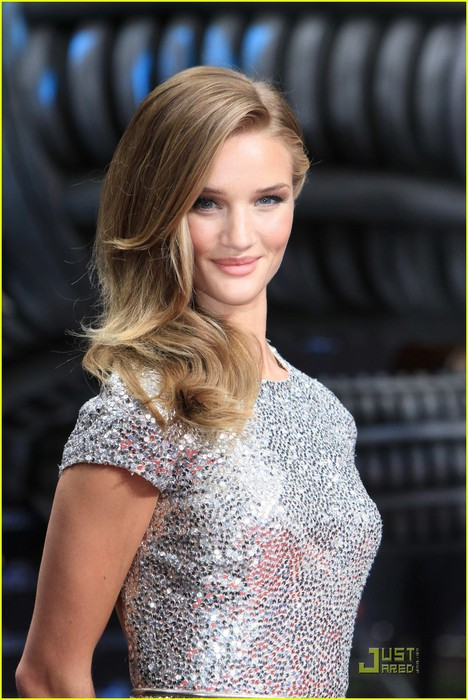 rosie-huntington-whiteley-transformers-berlin-02 (468x700, 98Kb)