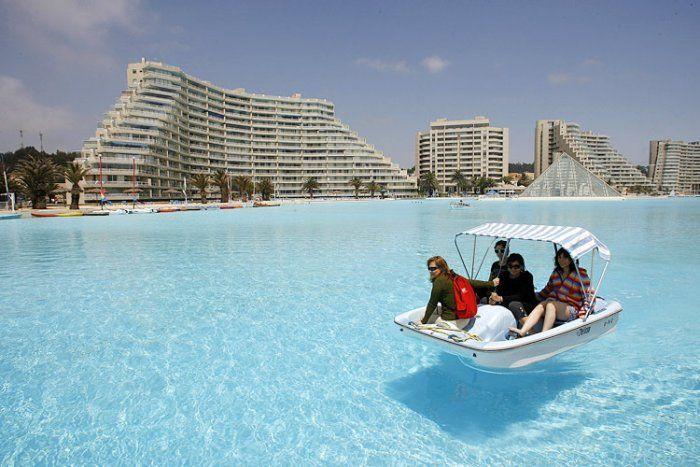 Огромный бассейн (7 фото)