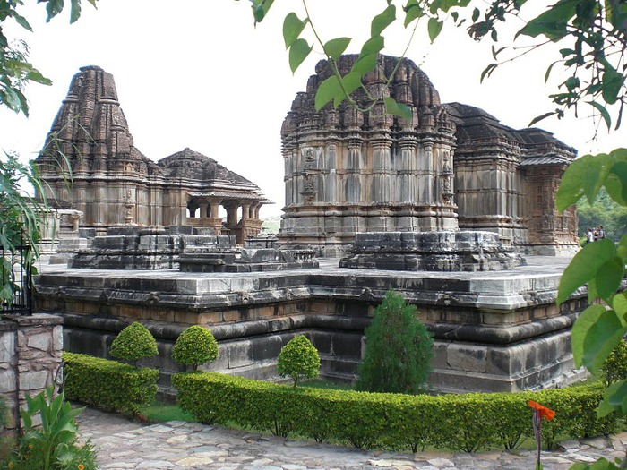 Храм Нагда - Nagda Sahasra Bahu temple 47892