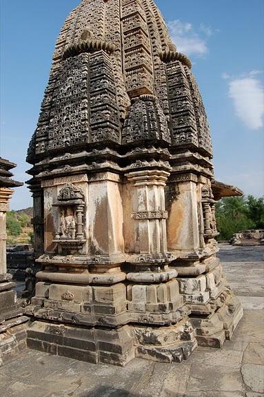 Храм Нагда - Nagda Sahasra Bahu temple 49422